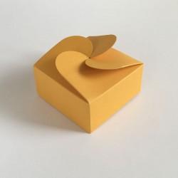 Geschenkschachtel F4 mit Rosettenverschluß, maisgelb, 5 Stück, 7x7x3,5 cm