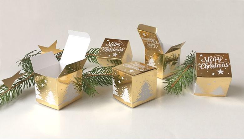 Geschenkschachtel Würfel 4x4 cm merry christmas